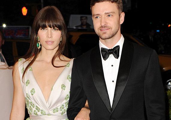 Jessica hamarosan Justin Timberlake-kel köti össze az életét, akivel 2007-ben kezdtek randizni. A pár 2011-ben váratlanul szakított, de még abban az évben újra összejöttek.