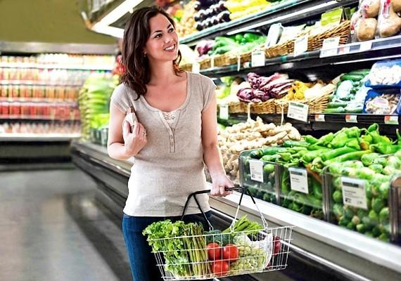 Kereskedelmi területen főleg a bevásárlóközpontok vezető pozícióban lévő munkatársai járhatnak jól.