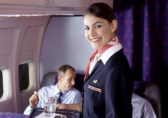 A légiutas-kísérők nagy része a gyengébbik nemből való, és amellett, hogy mindig utazhatnak, jól is keresnek.