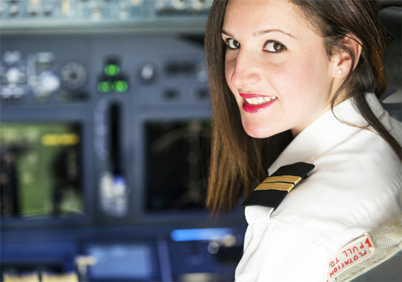 2014-ben aavaly a legjobban fizetett szakma a pilótáké volt, ezzel az állással havi bruttó 1 millió 167 ezer forintot is lehet keresni, ami jól hangzik, de óriási felelősséggel társul.