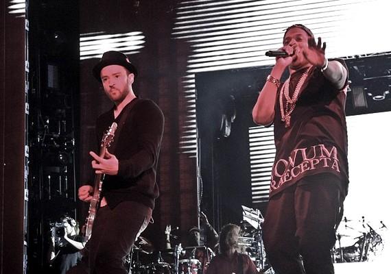 Justin Timberlake és Jay-Z együtt turnéznak, és a koncertek után egy kis bulival ünneplik a sikert.