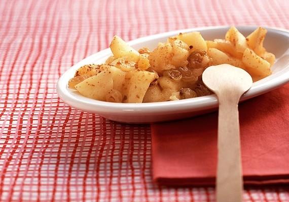 Még karácsonyi desszert is válhat a könnyű, fahéjas sült almából.