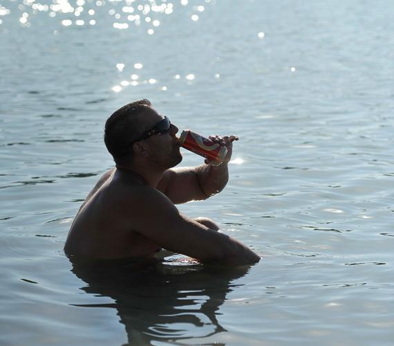 Kék-tó, Dunaharaszti határa.