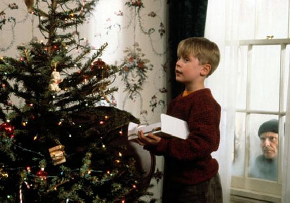 Adri: - Ha karácsony, akkor Reszkessetek, betörők! Mindig ünnepi hangulatba kerülök, ha meghallom az első rész valamelyik filmzenéjét, de a legnagyobb kedvenc az O Holy Night a gyerekkórus előadásában. Szerintem gyönyörű.