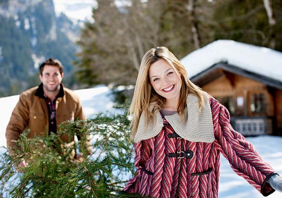Dániában külön program a karácsonyfa megszerzése: a család együtt vágja ki a fenyőt.