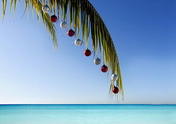 Az ausztráloknál nem ritka, hogy a karácsonyi lakomát a tengerparton fogyasztja el a család.