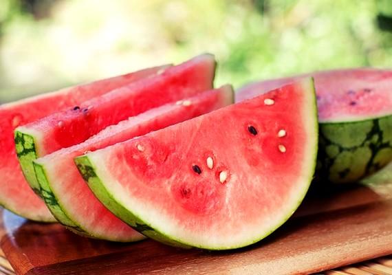 A görögdinnye magas víztartalma miatt nem hizlal, viszont ízletes, és eltelít.