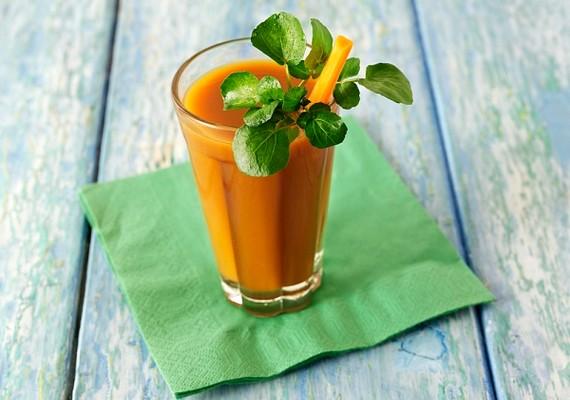 A smoothie frissítő, finom, nem hizlal és eltelít. Készítheted zöldségből, gyümölcsből vagy vegyesen is.