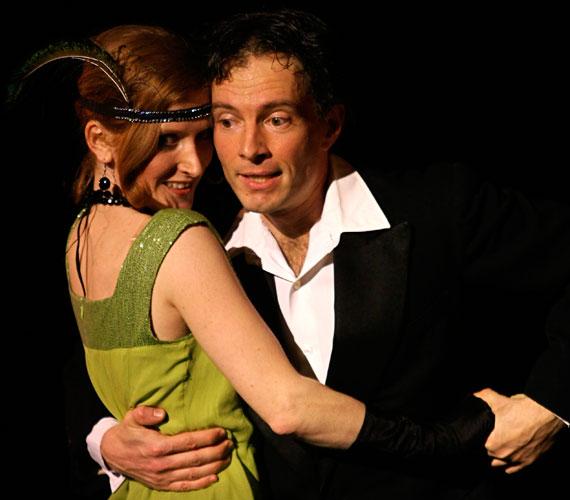 Oblivion. Félédes Feledés…- tango show2014. július 24., csütörtök, 20.302014. július 31., csütörtök, 20.30Az argentin tangóban mindenki megtalálja azt, amire a lelke éhezik. Benne van a nosztalgia, a vágy, a pillanat öröme, az érzékiség, a szenvedély, az ölelés biztonsága. A Momentango társulat a tangó ezer arcát mutatja meg, felidézve az elmúlt másfél évszázad tangótörténeti korszakait. Magyarország legnépszerűbb táncosai varázsolják a színpadra a tangócsalád táncait: a bohém milongát, a kavargó valsot és a mágikus tangót, melyek Buenos Airesen és Montevideón kívül a világ más nagyvárosait is sorra meghódították.Az előadás után tánctanítás is lesz, érdemes így készülni!