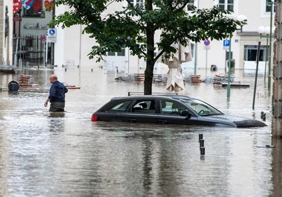 A júniusi dunai árvíz nemcsak Budapestet és vidéki magyar városokat öntött el, hanem több országban, így például Németországban is pusztított. Passauban különösen drámai volt a helyzet.