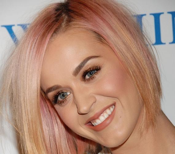 Az ombre-láz Katy Perryt is utolérte, néhány évvel ezelőtt visszafogott pinket választott.