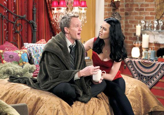 Katynek nem ez az első epizódszerepe, korábban többek között az Így jártam anyátokkal című vígjátéksorozatban is feltűnt.