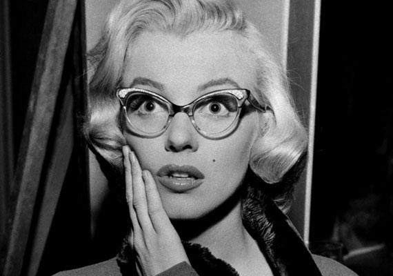 A csodálatos Marilyn is tudta, hogy a szemüveg még szexisebbé teszi.