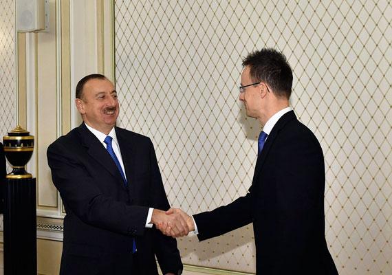 Szijjártó a hét elején Bakuban járt, és bejelentette, Magyarország és Azerbajdzsán stratégiai megállapodást fog aláírni a közeljövőben. Ez azt jelent, hogy a két ország a kereskedelmi és befektetési kapcsolatok növelésére törekszik majd.