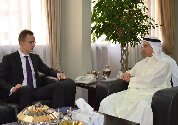 Szijjártó még államtitkárként tárgyalt Kuvaitban egy stratégiai megállapodásról 2012-ben.