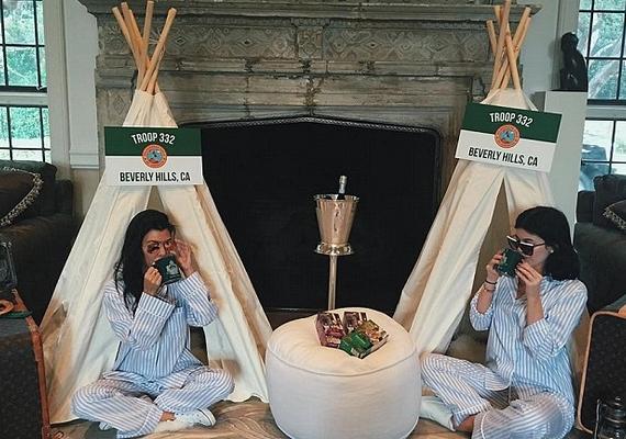 A valóságshowsztárok megadták a módját a partinak, a nappaliban kis sátrakat állítottak fel.