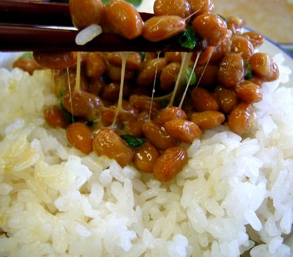A tradicionális japán étel, a natto főként reggeliként népszerű. Nem más, mint erjesztett szójabab.