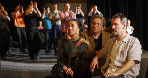 A halálba táncoltatott leány az augusztus 18-án kezdődő 35. Montreal World Film Festival-on látható először. A főszerepben László Zsolt és Hules Endre.
