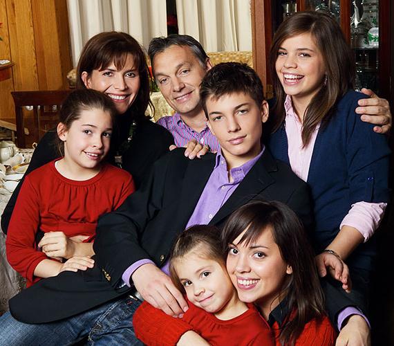 Orbán Viktor miniszterelnök és családja.