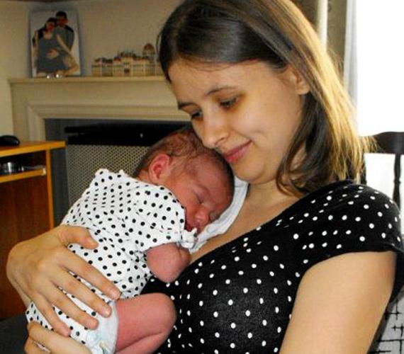 Apás szülés volt, az első fájások a Jobbik augusztus 20-ai ünnepségén jelentkeztek.