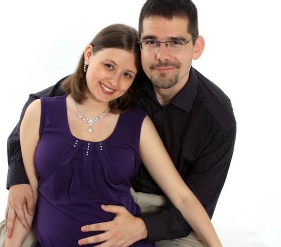 A pár, amikor még Dúró Dóra hasában volt a gyermek.