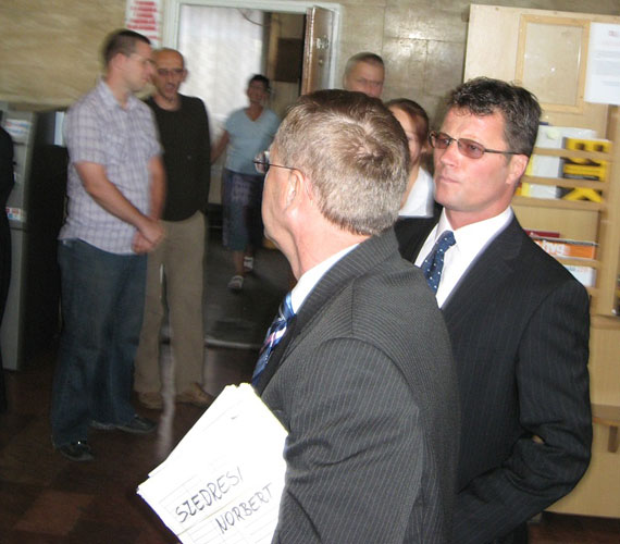 Stohl András és ügyvédje.