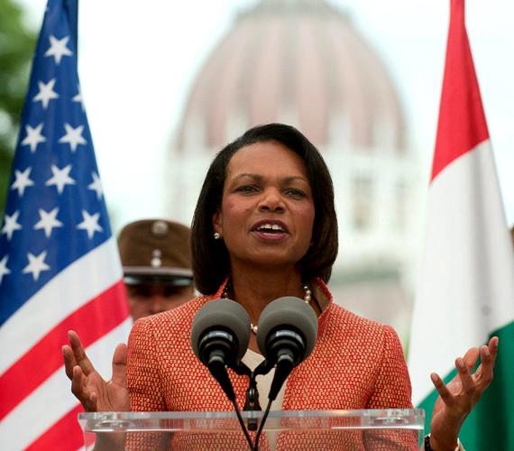 Szerdán felavatták Ronald Reagan szobrát Budapesten. Condoleezza Rice volt amerikai külügyminiszter is ellátogatott az eseményre.