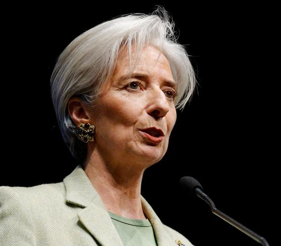 Kedden új elnöke lett a Nemzetközi Valutaalapnak is. Christine Lagarde az első nő a szervezet élén. Lagarde a szexbotrányba keveredett Dominique Strauss-Kahnt váltotta a poszton.
