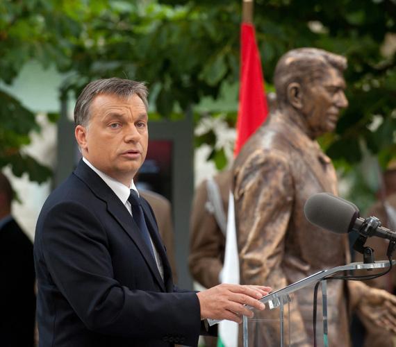 Orbán Viktor is részt vett a Reagan-szobor felavatásán.