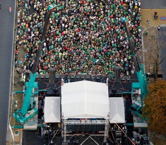 Légifotó a tüntetésről.