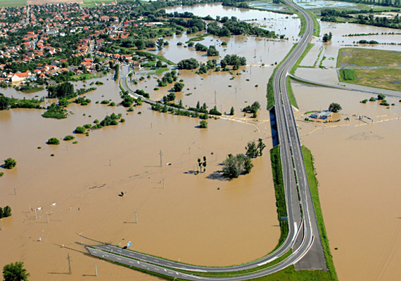 2010-ben a Bódva, a Sajó és a Hernád kilépett medréből, mellyel felbecsülhetetlen károkat okozott a környéken.