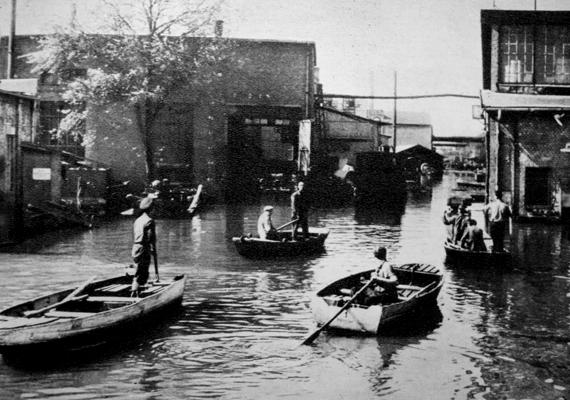 1965-ben a nagy tavaszi dunai árvíz keserítette meg a folyó mellett élők életét.