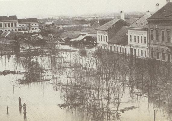 Az 1879-es nagy szegedi árvíz során 5458 ház omlott össze, és csupán 265 maradt épségben.
