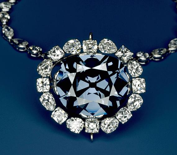A Blue Hope gyémánt 1642-ben került Indiából Európába, ahol többek között XIV. Lajos is tulajdonosa volt.