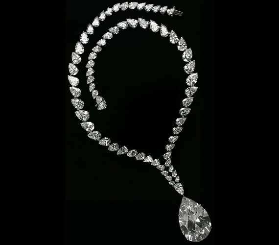 Az 1966-ben megtalált Taylor-Burton gyémántot Richard Burton adta Elizabeth Taylornak. Nevét is ő adta.