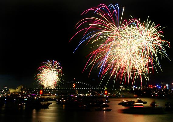 Az ausztráliai Sydney-ben mindig lélegzetelállító tűzijátékkal köszöntik az éjfélt.