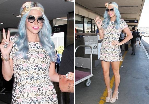 A csinos Keshát egy Los Angeles-i reptéren kapták le a fotósok a minap. Az énekesnő frizurája igencsak kék lett.