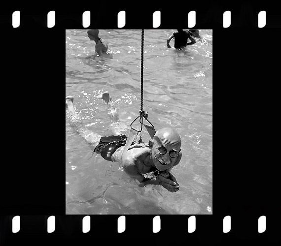 Az első úszólecke a Császár fürdőben, 1958.