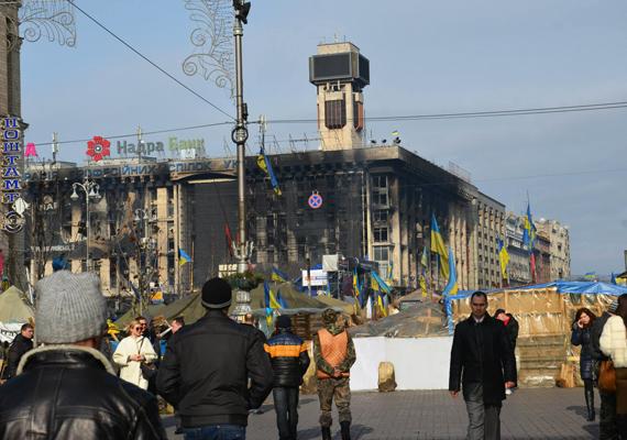 Sok épület teljesen kiégett.
