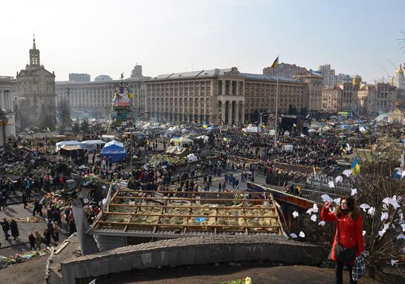 Az Instituskaja tér látképe nagyon szomorúan fest.