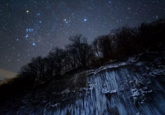 Masahiro Miyasaka képe a fagyott tájról, az Orionról és a Taurusról az Ég és Föld kategória első helyezettje lett.