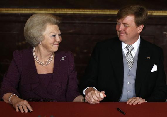 Az 1831 óta hivatalos nevén Holland Királyság uralkodója 1980 óta Beatrix volt, egészen 2013. január 28-ig, amikor bejelentette, hogy lemond a trónról fia, Vilmos Sándor herceg javára. Így jelenleg 123 év után férfi uralkodója van az országnak.