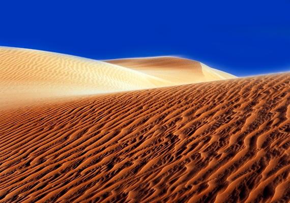 A mars felderítésére hivatott óriási labda, az úgynevezett űrtök egy füstbe ment kísérlet eredménye. A tudósok egy felfújható, lufiszerű kerekű járművet teszteltek a sivatagban, de a kerékbe belekapott a szél, és elvitte. Ekkor fogant meg az űrtök ötlete.