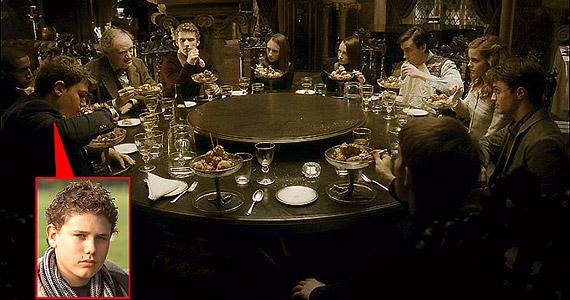 Robert Knox a 2008-as Harry Potter és a félvér hercegben Marcus Belby-t, a Hollóhát ház egyik diákját játszotta. Még a film utómunkálatainak kezdete előtt megkéselték és belehalt sérüléseibe.