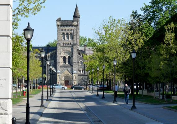 A Torontói Egyetemen az a munkás kísért, aki még az 1800-as években tűnt el a kollégium építése során.