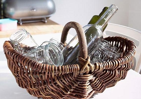 Az üres üvegek egy részét a szelektív hulladékgyűjtőbe kerül, de sok olyan van, amit a boltban visszavásárolnak: legközelebb vidd magaddal a borospalackokat!
