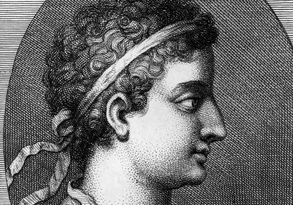 Kleopátra két fivérével is vérfertőző viszonyt folytatott, majd házasságra lépett velük. Azonban sem XIII., sem XIV. Ptolemaiosztól nem született gyereke.