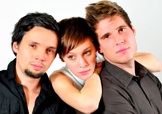 Azóta már felnőtt nővé cseperedett, és megalakult saját zenekara, a Vera and the Foxes.