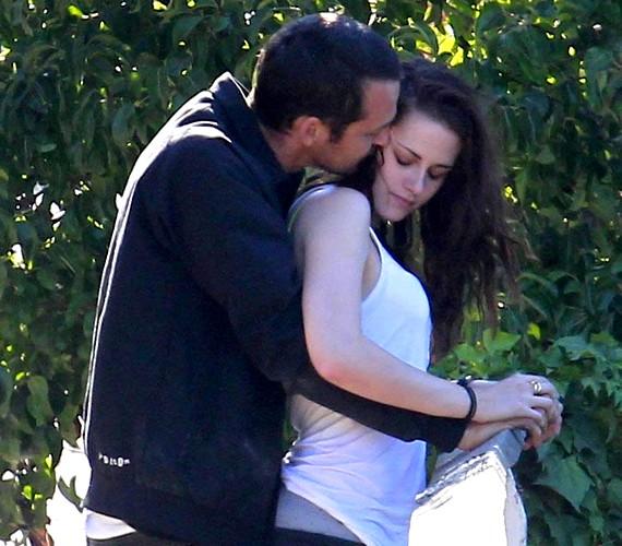 Kristen és Rupert tavaly igen közel kerültek egymáshoz, és erről még Robert Pattinson is az újságból értesült.