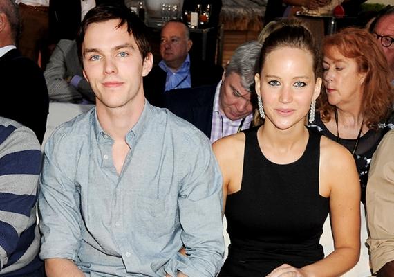 Jennifer és Nicholas szakítása augusztusban vált hivatalossá, de valószínűleg egy kicsivel hamarabb bekövetkezett.